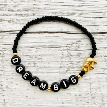 "Buchstabenarmband ""Dream Big"""